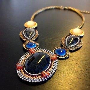 Tolle Halskette im Ethno-Style