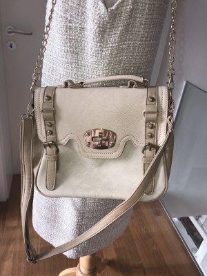 Tolle Handtasche mit verschiedenen Henkeln