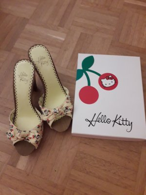 Tolle hello kitty schuhe mit Originalkarton