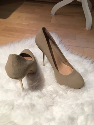 Tolle High Heels in nude
