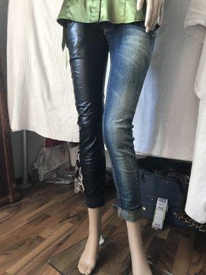 Tolle Hose ein Fuß Jeans und einer Kunstleder Gr S/ M. KP 70€
