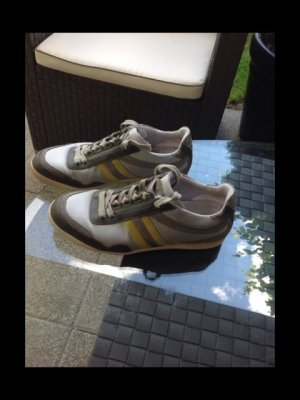 Tolle hugo Boss Sneaker unisex Gr. 40