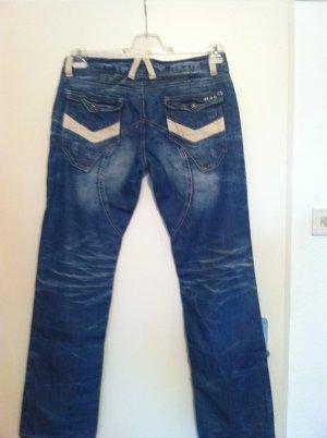 Tolle italienische Jeans, Model = Britney , NP=149€