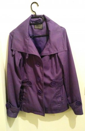Tolle Jacke von Only in lila S