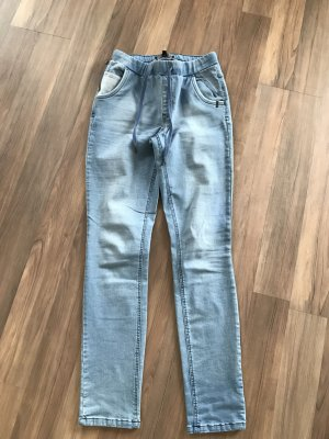 Tolle Jeans im Jogger Style NEU