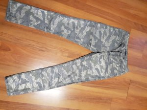Tolle Jeans in Camouflage-Optik