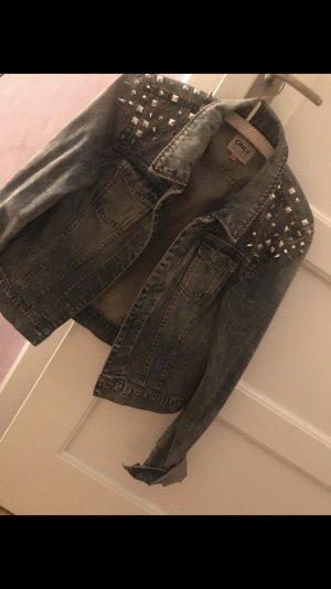 Tolle Jeans Jacke mit Nieten