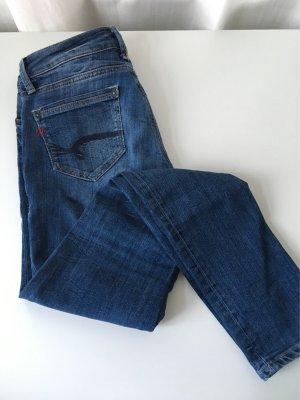 Tolle Jeans mit bunten Details