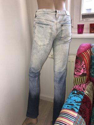 Tolle Jeans mit Farbverlauf
