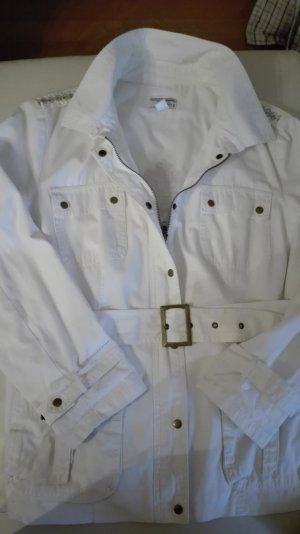 Tolle Jeansjacke in weiß mit Stickereien