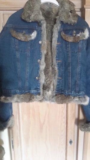 tolle jeansjacke innen komplett mit fell gefüttert