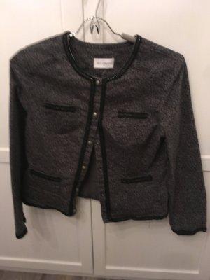 Tolle Jeansjacke mit glitzernden Details