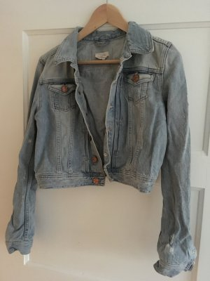 Tolle Jeansjacke mit used Details