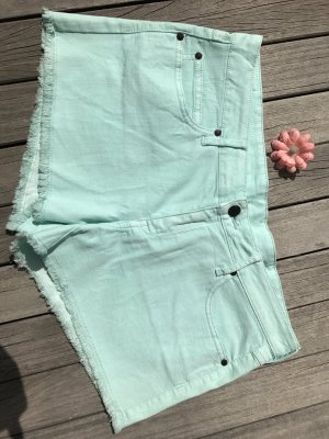 tolle Jeansshorts in mint-grün (neu)