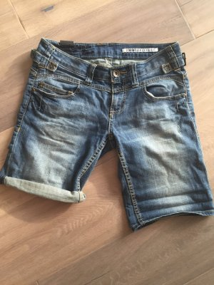 tolle Jeansshorts, super Waschung - so schön für den Sommer!