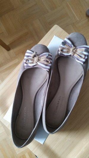 Tolle, kaum getragene Ballerina von Tamaris Trend in beige mit Schleifendetail.