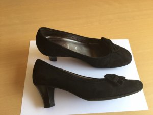 Tolle kaum getragene schwarze Leder Schuhe Pumps Gabor 37,5