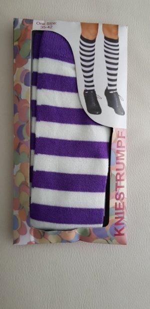 Puño blanco-violeta oscuro