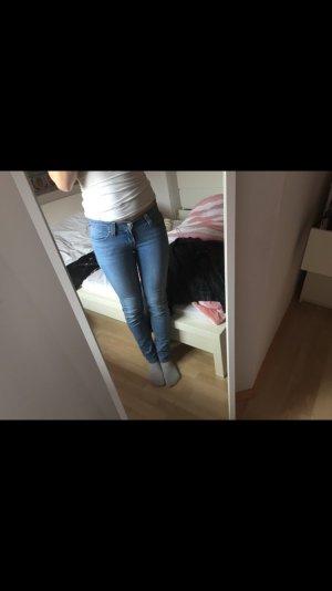 Tolle Levi's Jeans hellblau