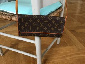 Tolle Louis Vuitton Tasche — Pochette Twin