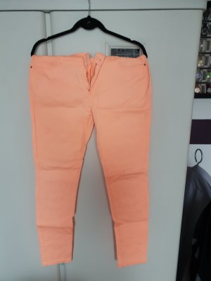 tolle neonorange farbende Jeans