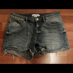 tolle neue jeansshort h&m gr.40