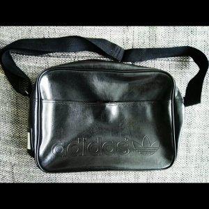 tolle neuwertige umhängetasche von adidas schwarz