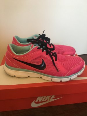 Tolle Nike Flex Experience Rn 2 Gr. 40,5