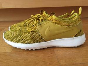 Tolle Nike Sneakers in Senfgelb