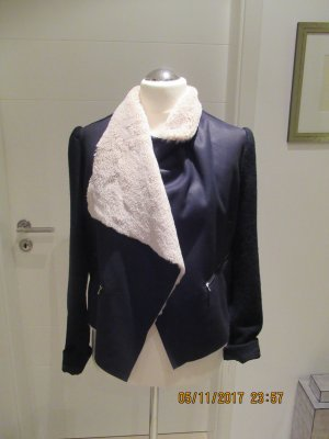 Tolle Outdoorjacke von Zara in L vorne Leder und  Fellimitat, Aermel und Ruecken Gewalkte Wolle in schwarzmeliert