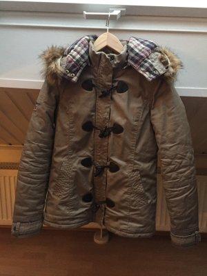 Tolle Pepe Jeans Winter Jacke mit abnehmbarer Mütze
