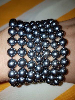 Tolle Perlenkette in Silber Metallic