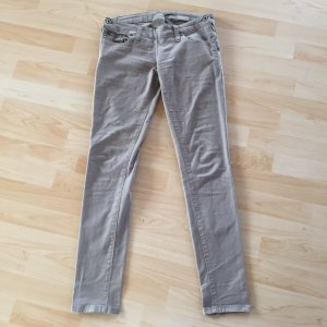 ***Tolle Please Jeans - eng geschnitten***