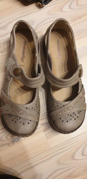 Outdoor Sandals beige