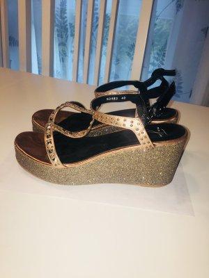 Tolle Schuhe mit Glitzer und Keilabsatz von Pia di Fiore! Leder