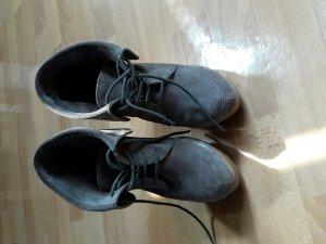 tolle Schuhe mit Keilabsatz, bershka