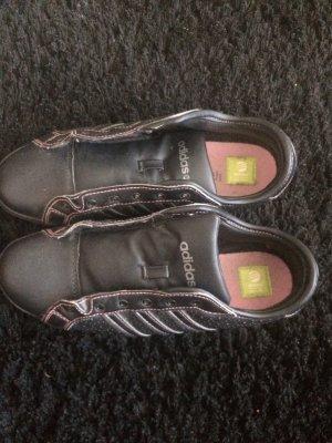 Tolle schwarze ADIDAS Schuhe