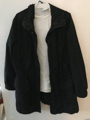 Tolle schwarze Jacke mit Kapuze
