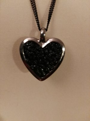 tolle schwarze Kette neu mit Herzanhänger mit Steinen