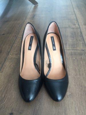 Tolle schwarze Leder High Heels