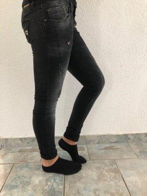Tolle Schwarze Skinny Jeans PLEASE, Neu