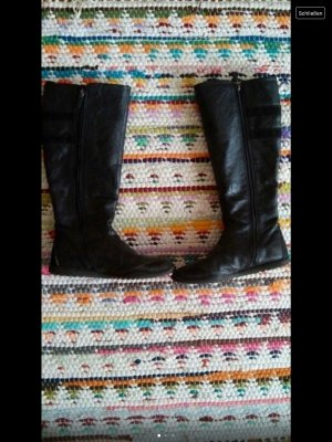 Tolle schwarze Stiefel von Esprit, kaum getragen.