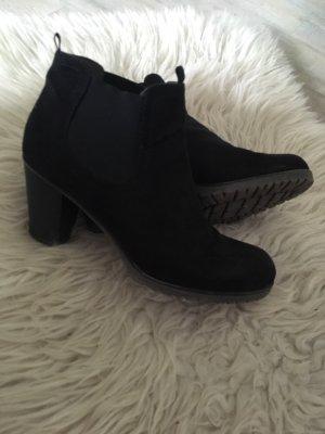 Catwalk Slip-on Booties black