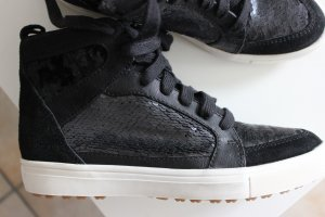 tolle Sneaker von Tamaris mit Pailletten