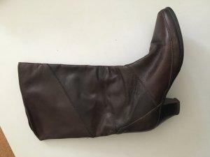 Tolle Stiefel aus den 70ern. Neu aufgearbeitet und ungetragen! Ledersohle