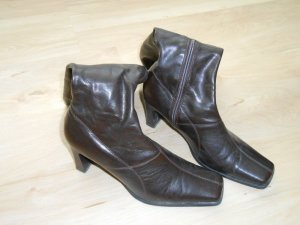 Ariane Heel Boots dark brown