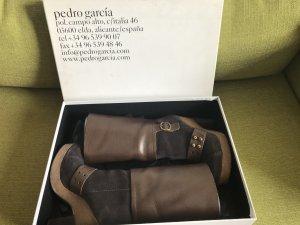 Pedro garcia Buskins black brown leather