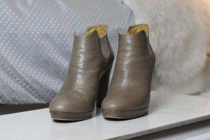 Pomme d'Or Slip-on Booties grey brown