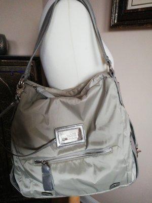 Tolle Tasche mit viel Platz