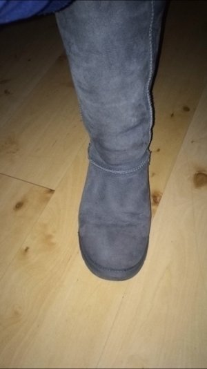 Tolle UGG Boots in grau